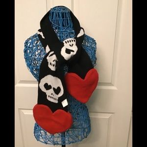Accessories - Heart and Skull Scarf